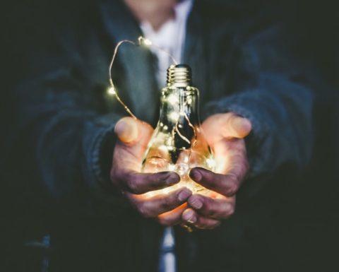 自分の力で稼ぎたい人がお金を稼ぐ方法7選【理想的なやり方】